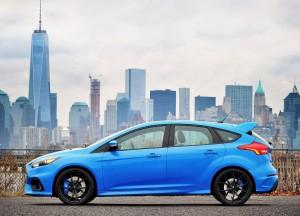 Ford Focus RS 2015, вид сбоку