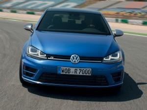 Дебютант Volkswagen Golf R: мощь по разумной цене