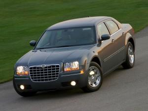 Chrysler 300 2004 года