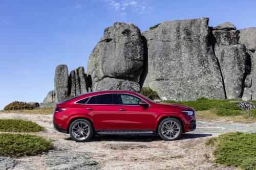 Mercedes-Benz GLE Coupe 2020, вид сбоку