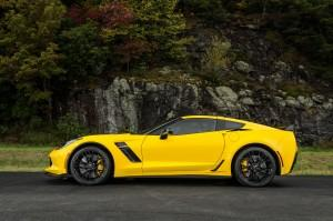 Новый Chevrolet Corvette Stingray Z06, вид сбоку